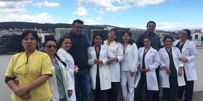 Axxis Cirugía promueve el compromiso de las Auxiliares de Enfermería con el paciente